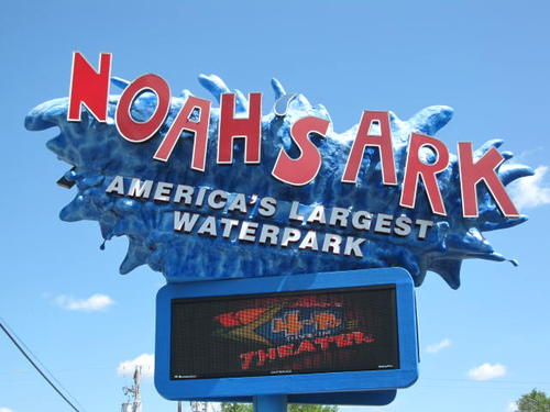 Noahs Ark Waterpark Wisconsin Dells Pictures and Photos ...